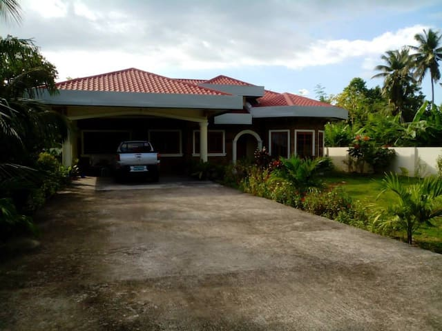 La Nina (private house) - Santander - Rumah
