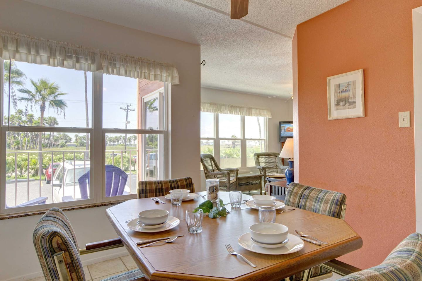 Gulfview II 101 is an wonderfully cozy ground floor vacation home.