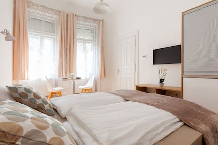 Beautiful Central Apartment 1 - Budapest - Apartment