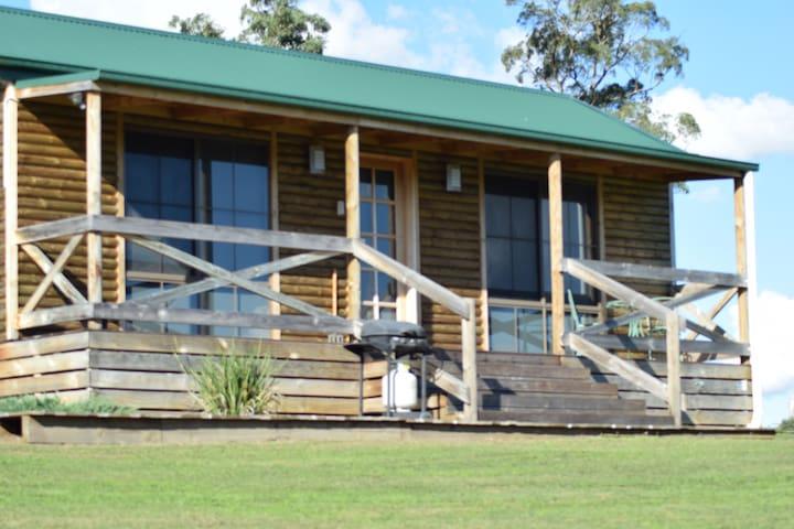 "Riverview cottage ""Clancy's"" - Buchan - Blockhütte"