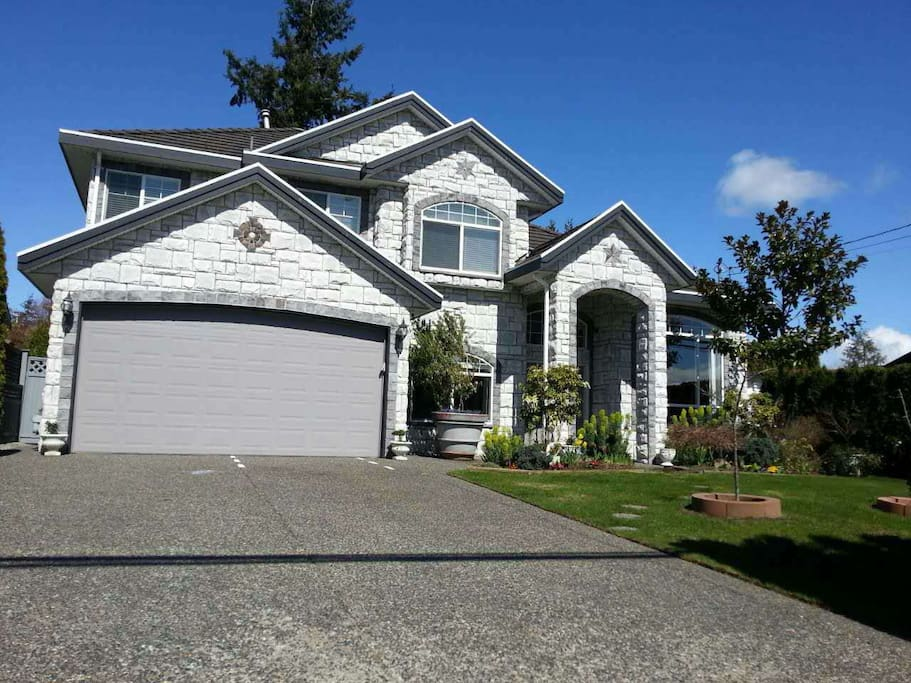 5 Bedroom Dream House Near White Rock Us Border Villas For Rent In Surrey British Columbia