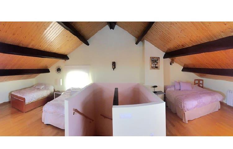 Habitación 4 - Buhardilla.