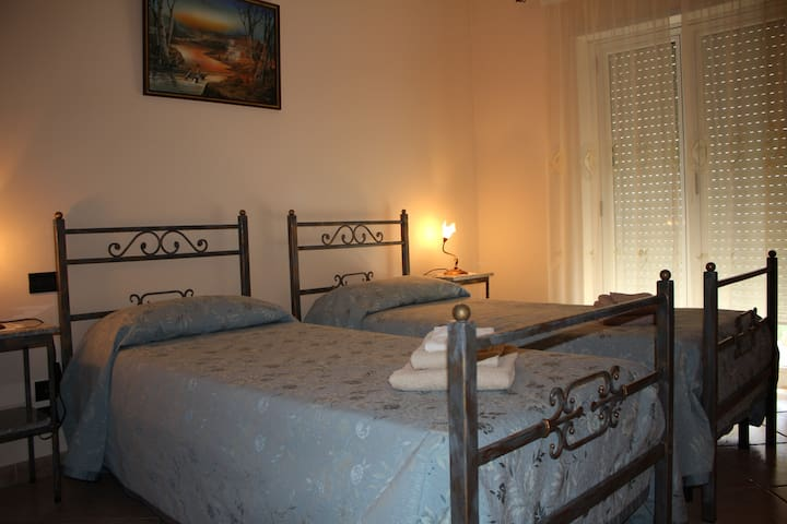 B&B Esperanca , camera Doppia - Frascineto - Bed & Breakfast