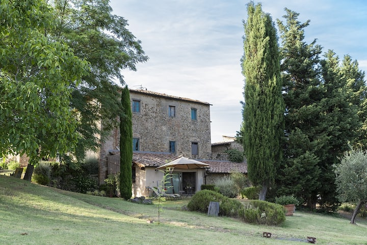 LA LOGGIA - country home  with garden  in the heart of Chianti - 4 persons