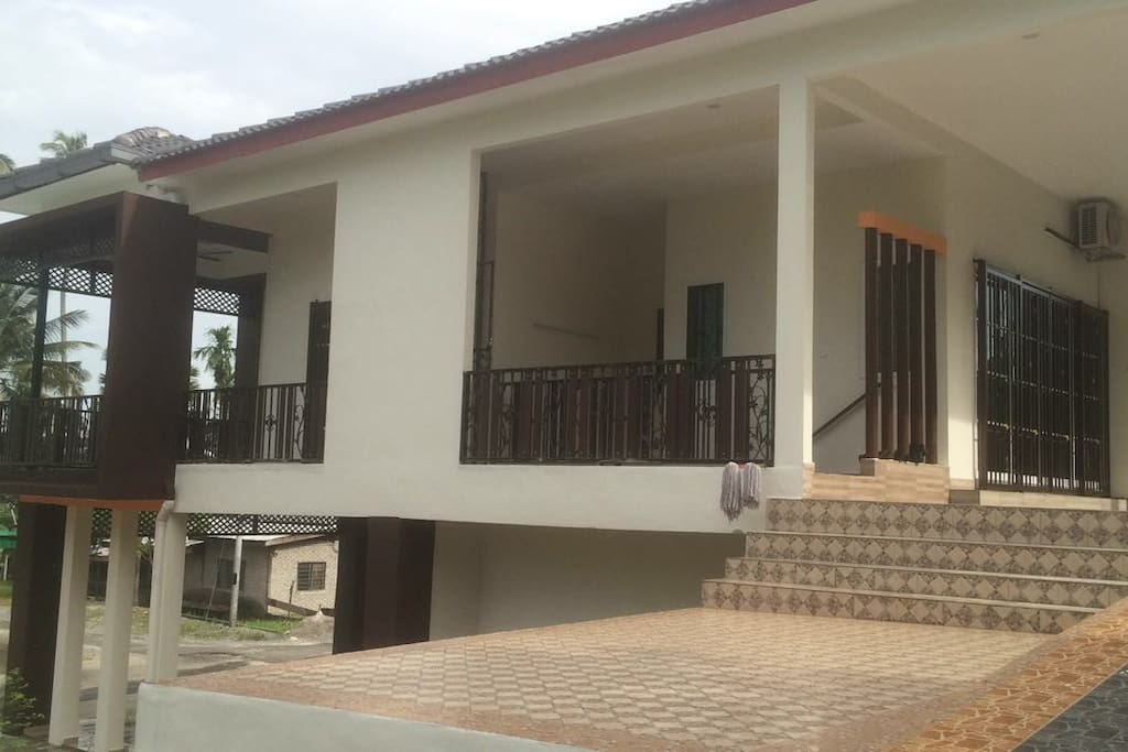 Homestay EidaAmin Side/Back View