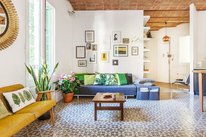 Vintage Concept Flat in Chic Neighbourhood