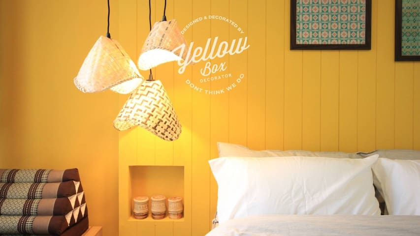 Bedroom decorated with Thai Lamp