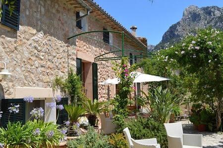Mallorcan house + garden close to soller plaza - Σόλερ