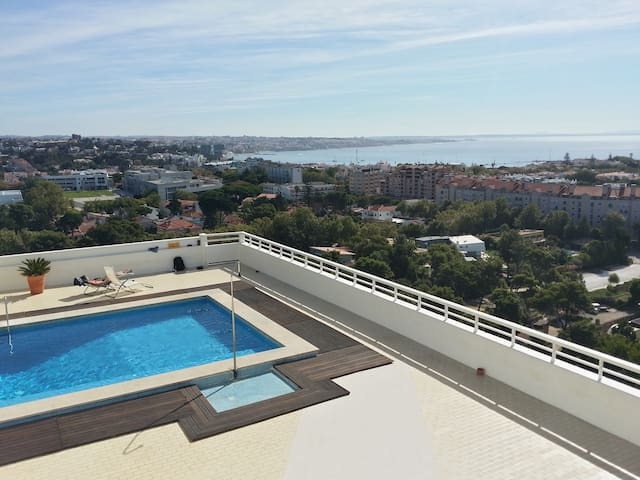 Sun and sea - family apartment with pool