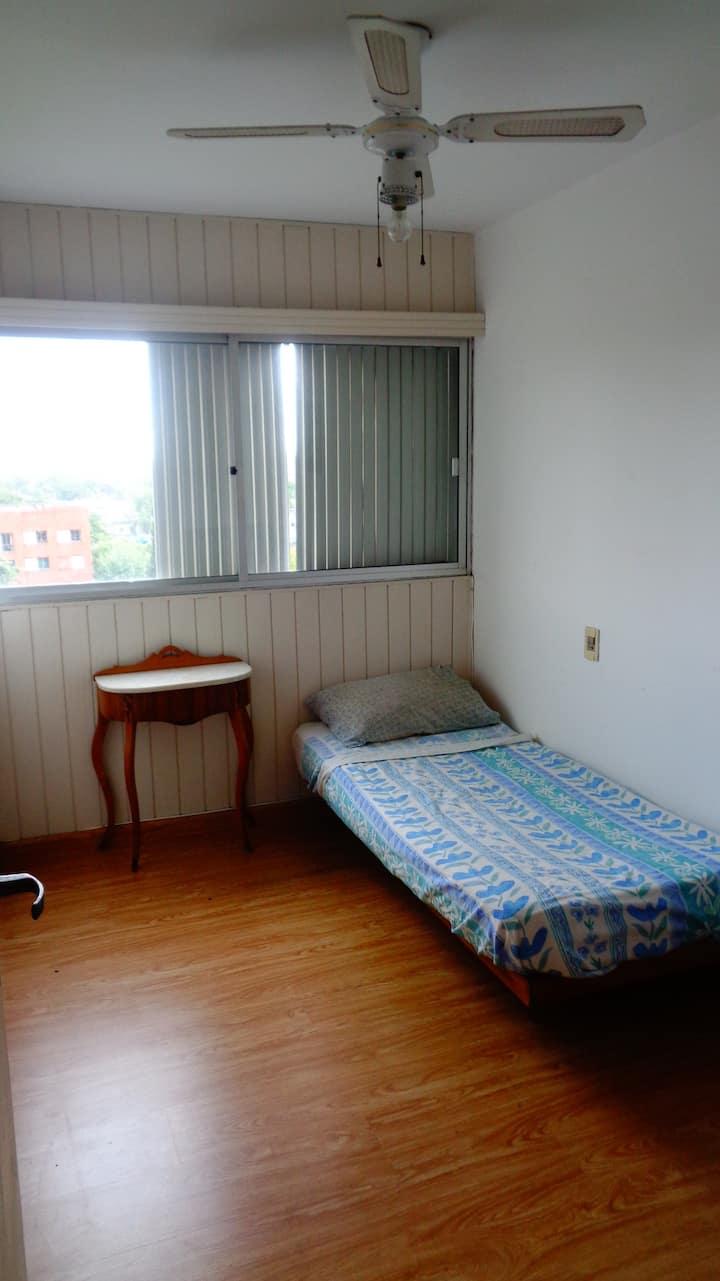 Alquilo habitacion en Montevideo