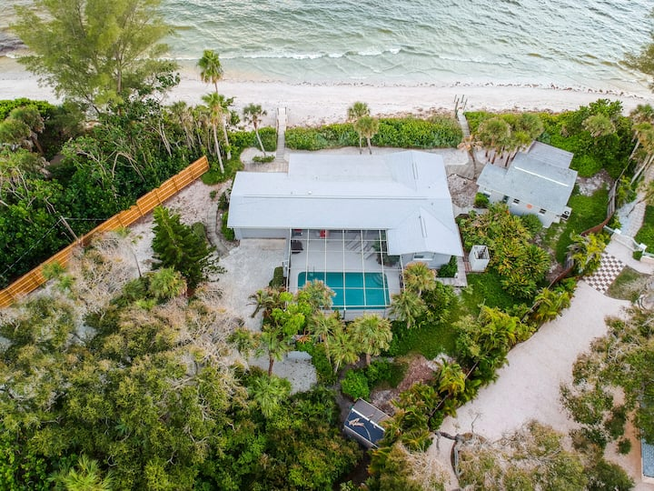 Rejuvenation Retreat with Private Beach and Pool