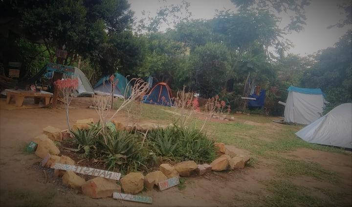 Camping Caminho do Rio espaço 1, para 2 pessoas.