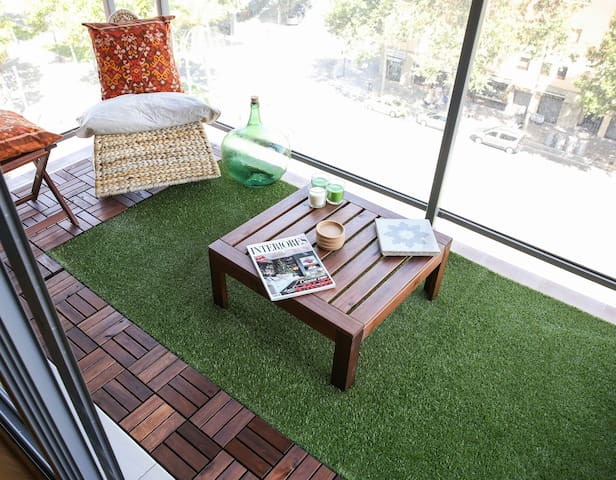 Private room,bathroom & garage on great location!! - Barcelona - Apartment