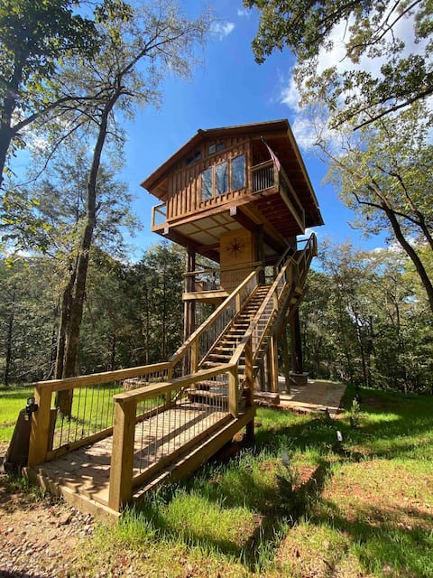 Private & Secluded Treehouse called the Fire Tower