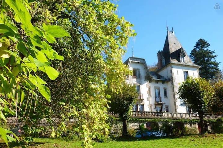Nuit au château Saint Roch - Ambazac - Zamek
