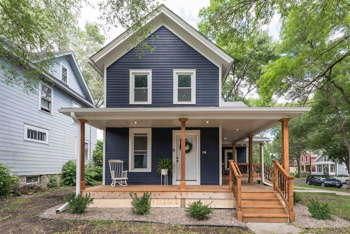 Luxury 3BR Historic House❤️Steps from DT St. Paul