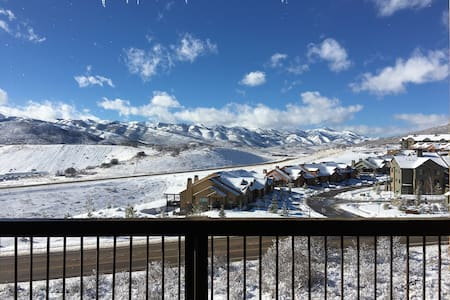 Luxury 3BR Townhome with BEAUTIFUL VIEWS! - Park City - Rekkehus