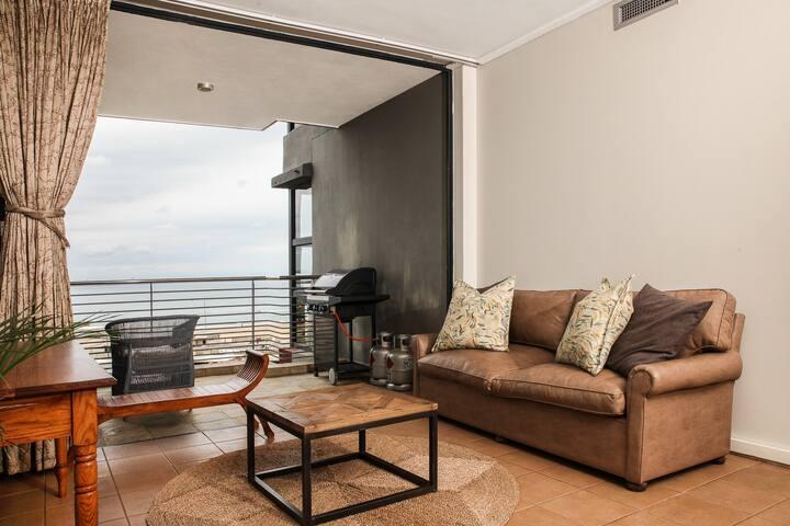 Deluxe Apartment, 2 Bedrooms, Sea View, Beachfront