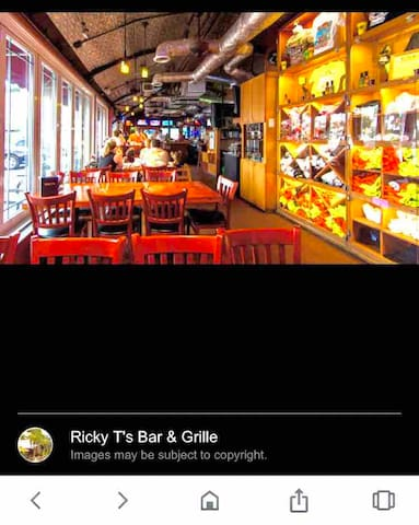 Another very popular bar/restaurant in the area Ricky T's.  They have both a restaurant and a lively bar area with live bands most nights.  Again, walkable from the condo.
