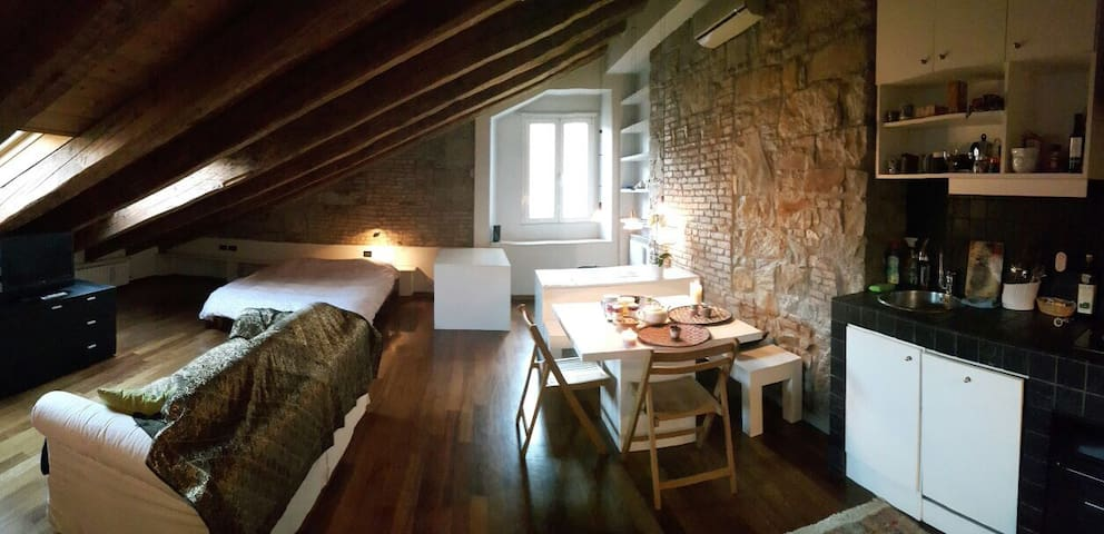 Mini loft, very charming, wifi