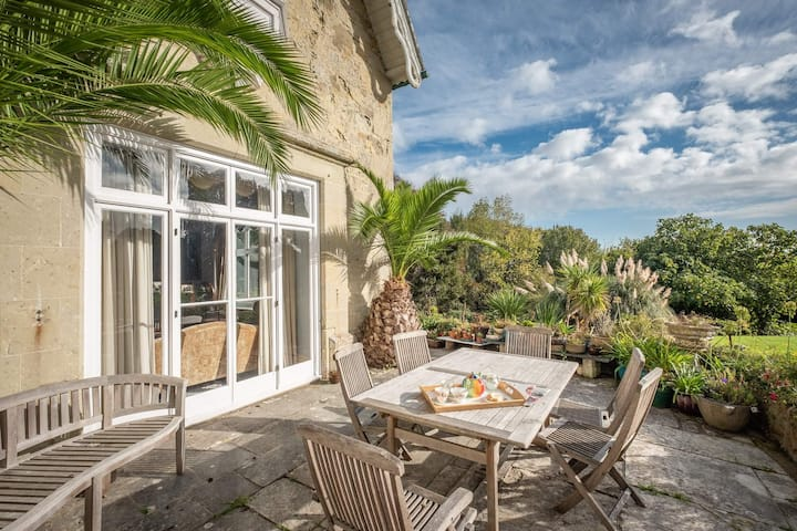 Lisle Combe with stunning gardens and beach access