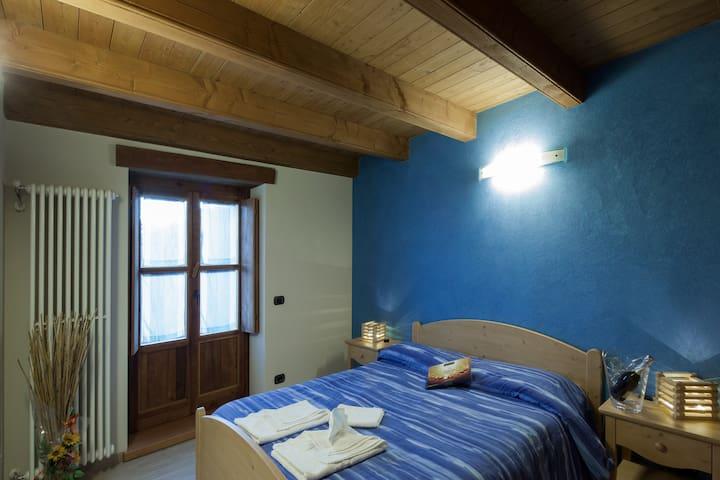 Genzianella, blu come il cielo - San Damiano Macra - Bed & Breakfast