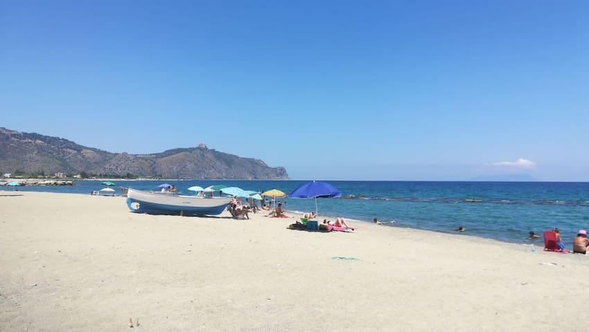 Appartamento a pochi passi dal mare, Falcone