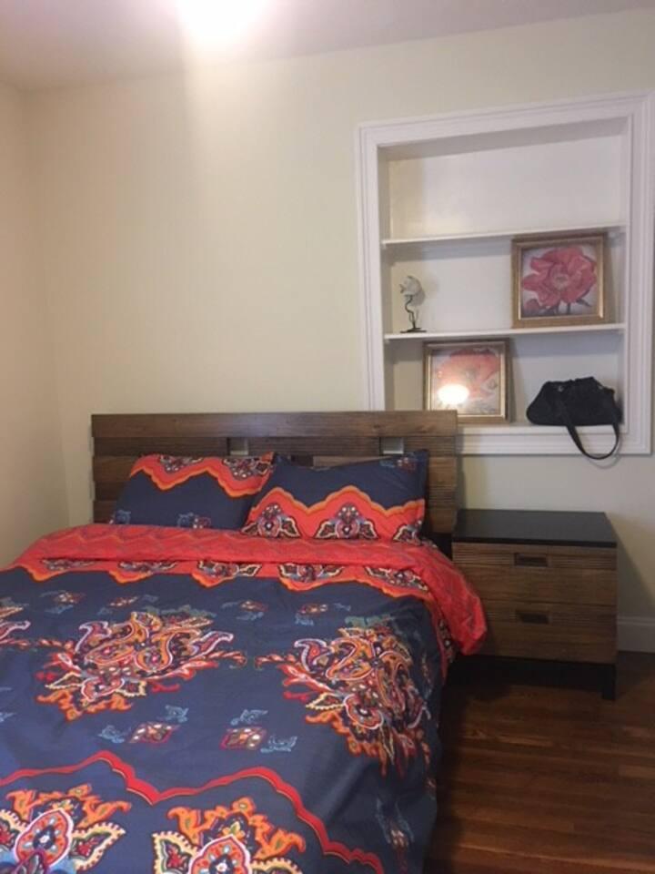 Cozy private bedroom min to Suntrust Park, HWY