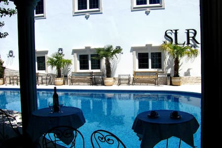 The Luxe Residence with Jacuzzi n Luxury Villa 5* - Maceira - Villa