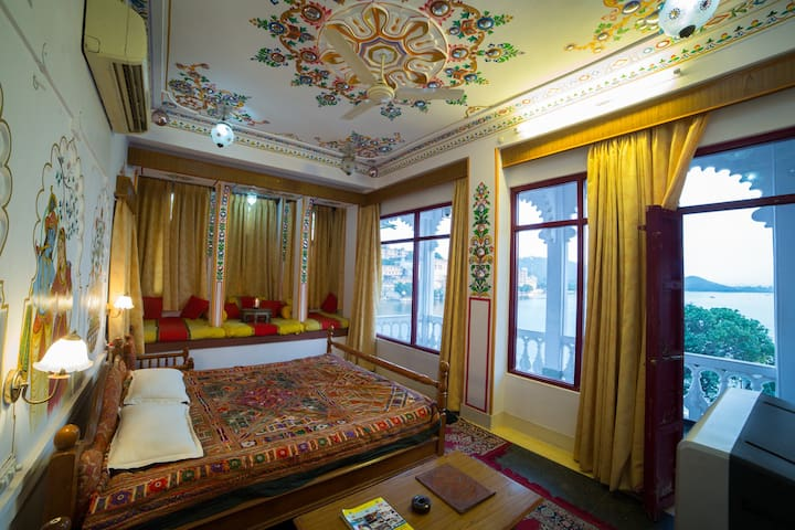 Two Bedrooms Crowned with Panormic City View - Udaipur - Boutique hotel