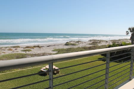 2nd floor beach condo - Cocoa Beach