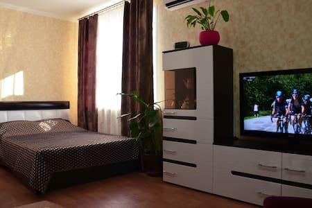 Апартаменты DeLux ул.Александрова,9 г.Волжский - Volzhskiy - อพาร์ทเมนท์