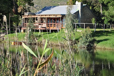 River Edge Accommodation - Wellington