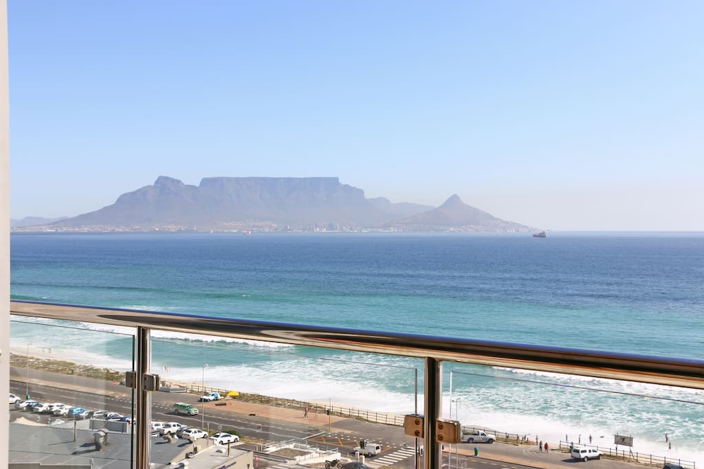 Unobstructed view of Table Mountain from the balcony