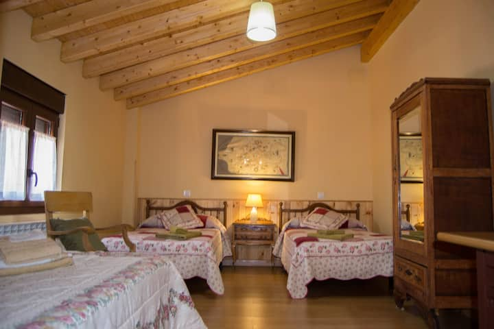 Habitación del Pueblo para 4, cerca de Ávila