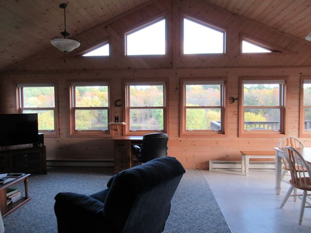 Rapids Overlook Vacation Home. Private & Peaceful
