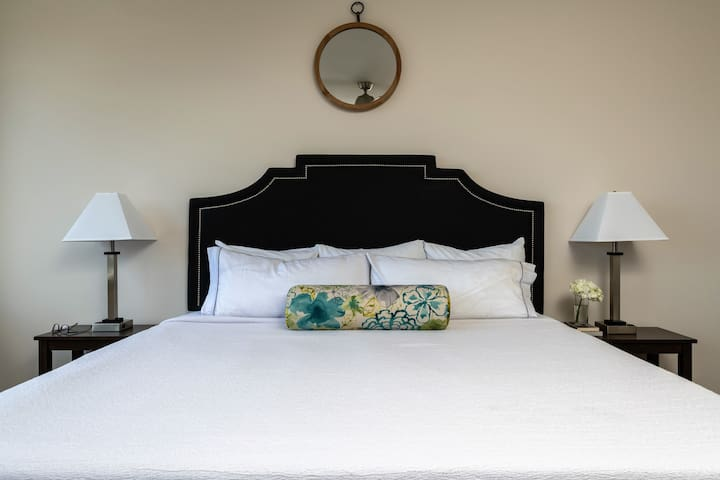 Hip One Bed on Elm Street