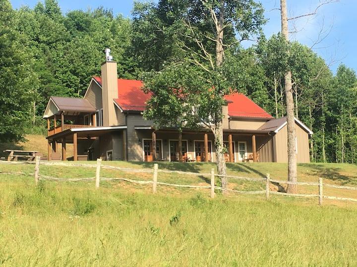 Mountain Farmhouse, Farm, Location, Convenient!