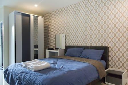 Cozy Room Near Skytrain - Leilighet
