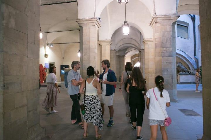 Under the loggia of Palazzo Vecchio