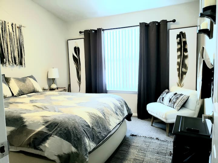 Luxury, 5 Star Hotel-Like, Arvada Guest Room Oasis