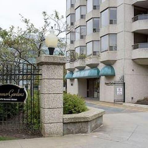Superb 2 bedroom condo unit in downtown Halifax