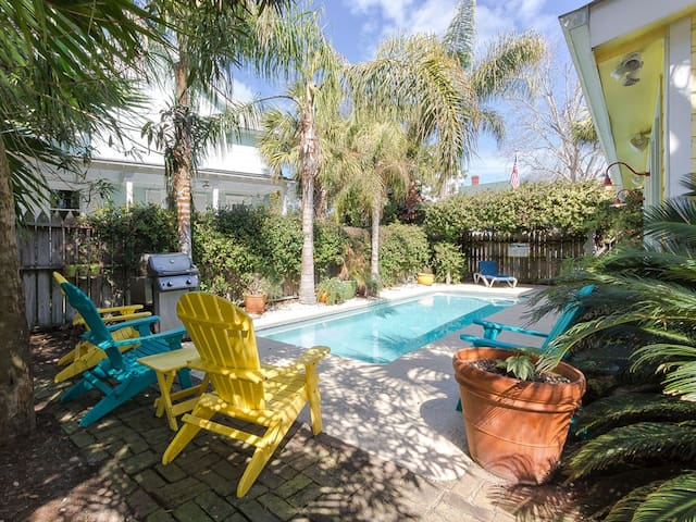 Historic Cottage Charm, Large Private Pool, Garden; Pet Friendly and Just two Blocks From the Beach! - Island Bliss