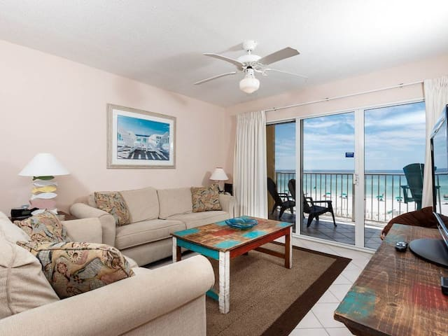 Open gulf front unit, 2 beach chairs included, Short drive to entertainment