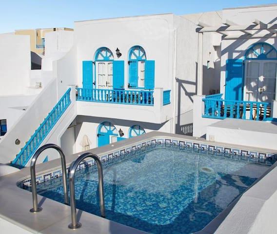 Apartments in Firostefani- Garden C - Santorini - Bed & Breakfast