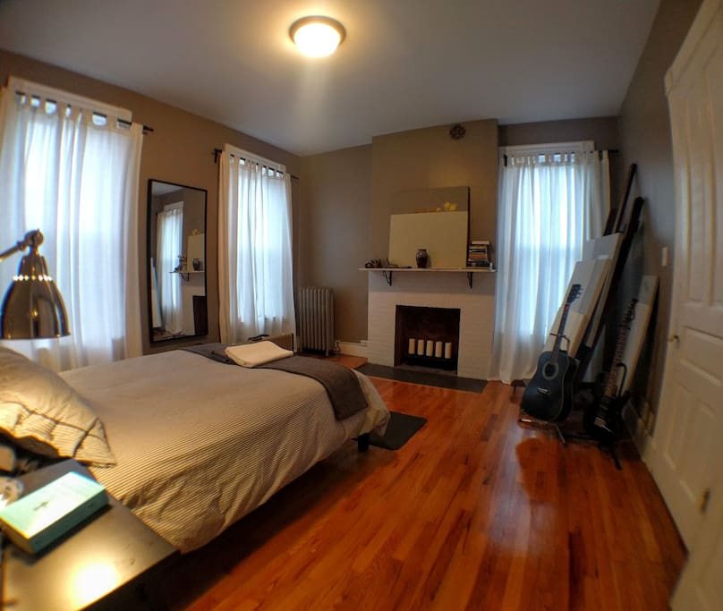 charming victorian near yale apartments for rent in new haven connecticut united states. Black Bedroom Furniture Sets. Home Design Ideas