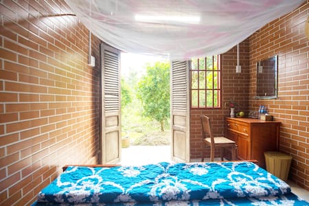 Double homestay (shared bathroom) - Rustic Cai Be