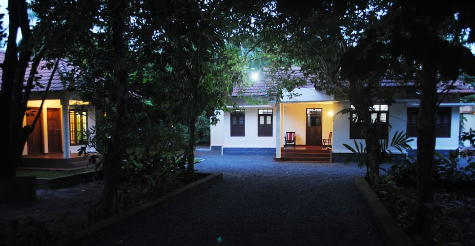 Village farm house near Cochin - Poochakkal - Villa