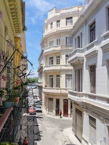 Excellent situated B&B in Havana Vieja - La Habana
