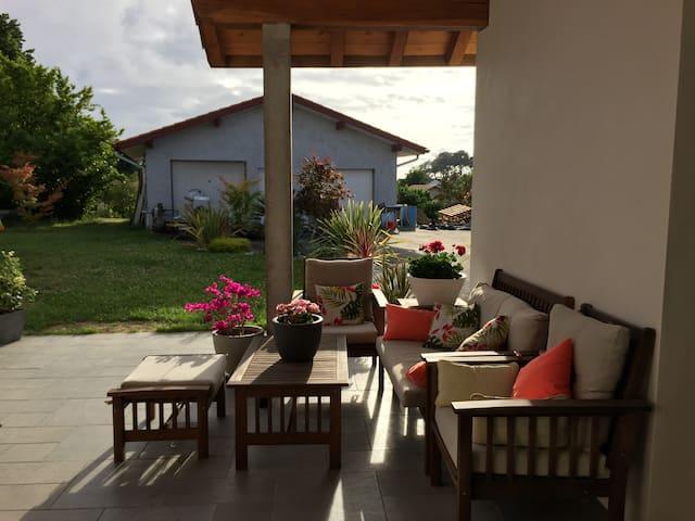 Maison de caractère de 170m2 à 5mn des plages - Tarnos - House